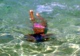 Djevojčica u moru